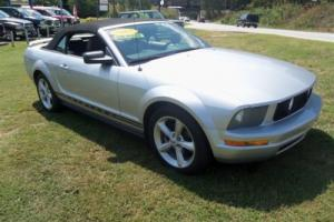 2005 Ford Mustang Base