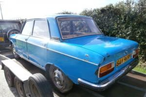 PEUGEOT 304 4 DOOR SALOON. CLASSIC CAR. RETRO. BARN FIND Photo