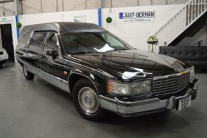 CADILLAC FLEETWOOD BROUGHAM 5.7 V8 AMERICAN USA HEARSE FUNERAL CAR, LHD IMPORT Photo