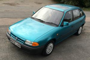 1994 VAUXHALL ASTRA Mk 3 SWING, MoT October 2017, stunning example, no reserve Photo