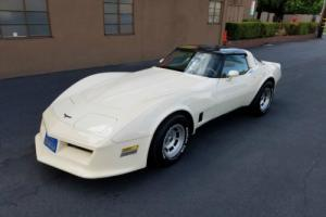 1981 Chevrolet Corvette Base 2dr Coupe Coupe 2-Door Automatic 3-Speed