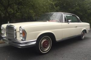 1970 Mercedes-Benz 280SE COUPE Factory floorshift Auto & Sunroof Coupe