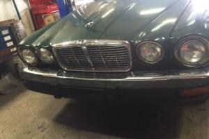 1975 Jaguar XJ6 Photo