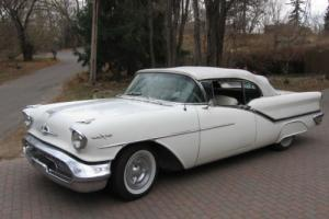 1957 Oldsmobile Ninety-Eight starfire