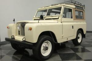 1968 Land Rover Defender Defender 88 Photo
