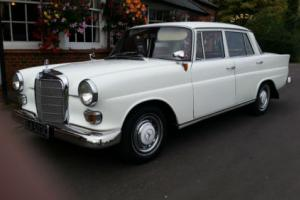 Mercedes-Benz 190C Saloon, Fin Tail