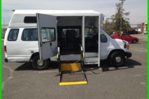 2006 Ford E-Series Van Commercial