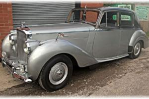Stunning 1952 Bentley MkVI R-Type - 1 Family owned from new!