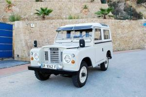 1979 Land Rover Defender Santana Photo