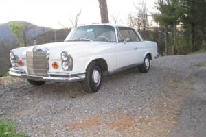 1966 Mercedes-Benz 200-Series se coupe 2 door