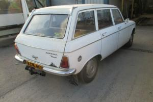 VERY RARE 1968 PEUGEOT 204 DIESEL ESTATE LHD VERY LOW MILEAGE GOOD CONDITION Photo
