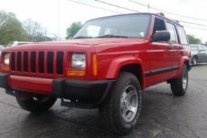 1999 Jeep Cherokee Sport 4dr 4WD SUV