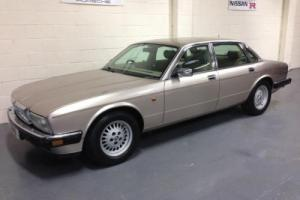 1993 L JAGUAR DAIMLER 3.2 SOVEREIGN AUTO,FSH,ALLOYS,LEATHER,ELECTRIC PACK,SUPERB