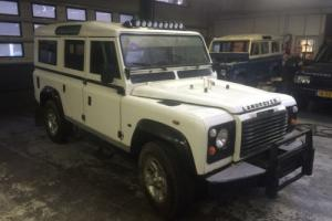 1900 Land Rover Defender Photo