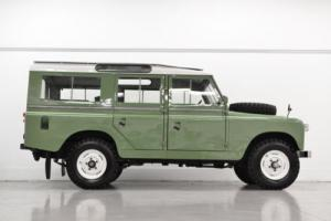 1965 Land Rover Defender Photo