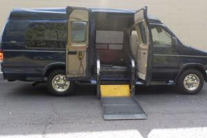2006 Ford E-Series Van HANDICAP/ WHEELCHAIR  CONVERSION
