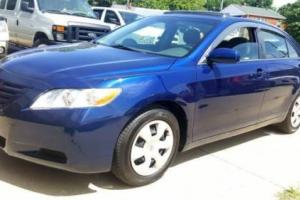 2007 Toyota Camry LE Moon-roof New tiers & brakes Runs &drives great