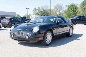 2004 Ford Thunderbird Base