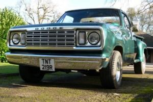 1977 Dodge D100 stepside pickup