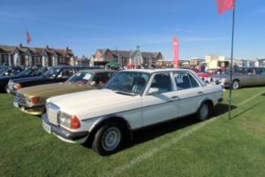 mercedes W123  230E 1985 petrol injection model Photo