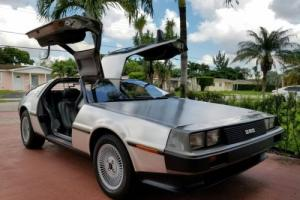 1983 DeLorean dmc12