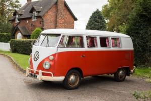 VW Split screen campervan Volkswagen bus Photo