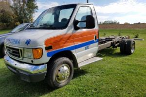 2005 Ford E-Series Van Photo