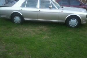 COMPLETE MID 80s ROLLS ROYCE SILVER SPIRIT / SPUR FOR WRECK PARTS GOING CHEAP