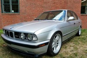 1991 BMW M5 Base 4dr Sedan Sedan 4-Door Manual 5-Speed I6 3.6L