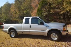 1999 Ford F-250 XLT Photo