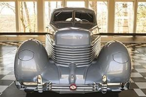 1937 Cord 812 Custom Beverly Photo