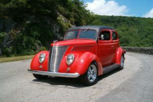 1937 Ford Ford 2 door slantback