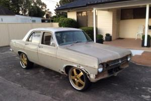 Holden hr special v8 5.0 ltr efi turbo 700 9inch diff drag show collector