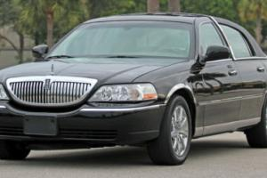 2004 Lincoln Town Car Ultimate Series