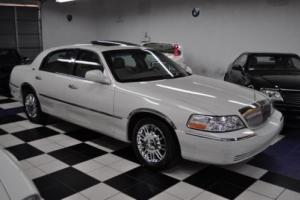 2006 Lincoln Town Car ONLY 37,366 MILES! Signature Limited