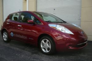 2013 Nissan Leaf SV Photo