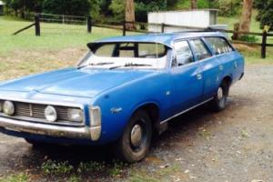 VH Valiant station wagon 1971 been in shed 18yrs except for occasional run