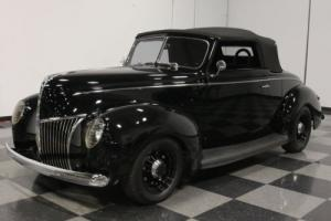 1939 Ford Deluxe Convertible