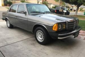 1985 Mercedes-Benz 300-Series