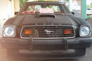 1977 Ford Mustang 2