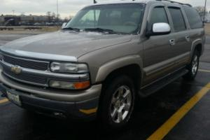 2003 Chevrolet Suburban LT Photo