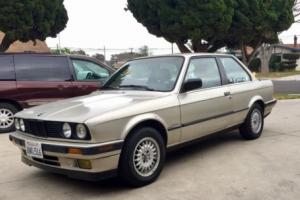 1989 BMW 3-Series E30 Photo