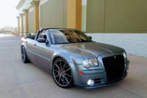 2006 Chrysler 300 Series 4dr Sdn 300C SRT8 RWD Photo