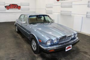 1987 Jaguar XJ Runs Body Int Excel 4.1L I6 3 spd auto