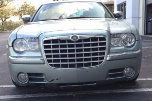 2005 Chrysler 300 Series 300C 5.7L Hemi