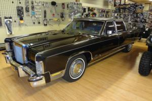 1977 Lincoln Town Car Continental