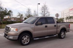"2005 Ford F-150 SuperCrew 139"" Lariat 4WD"