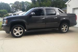 2011 Chevrolet Avalanche Photo