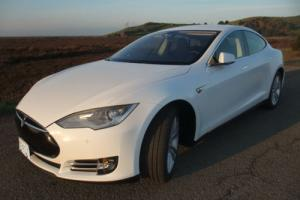 2014 Tesla Model S Dual Charger, 85kW Capacity / ~235mi/charge