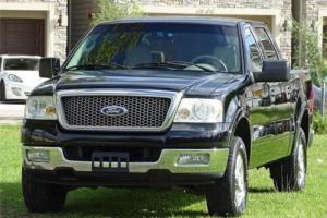 2004 Ford F-150 Lariat Photo
